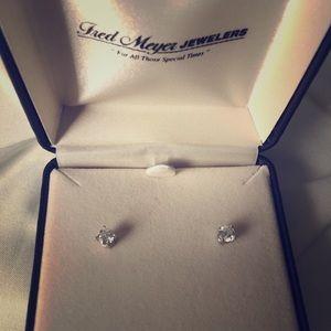 Jewelry - 1/2ct Sparkling Sitara Diamond Stud Earrings!